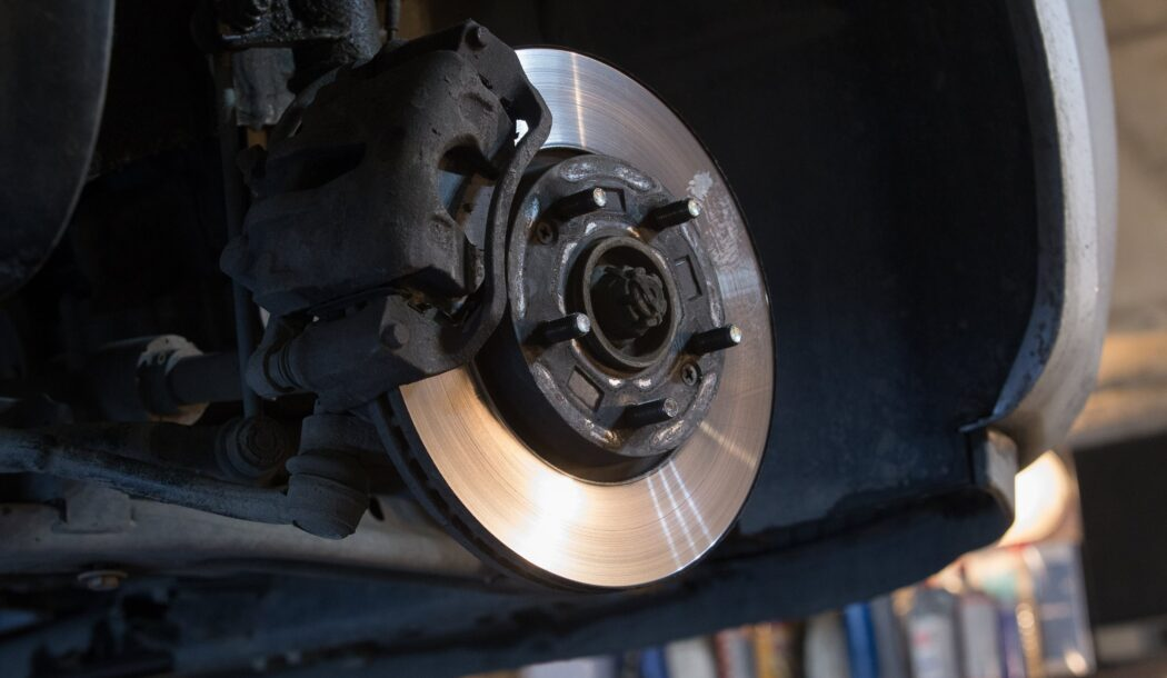 ブレーキ引きずりってどんな状態?気付くためのポイントと対処法